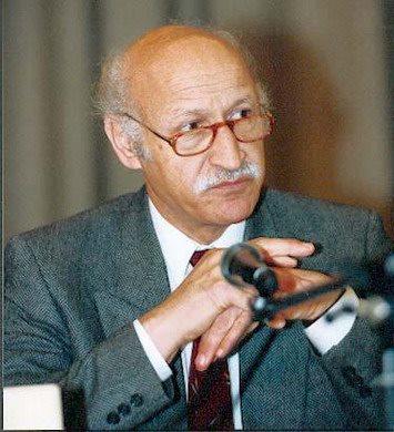 دکتر حسن کیان زاد: حل مسئله ملی ( تمرکز و عدم تمرکز قدرت )