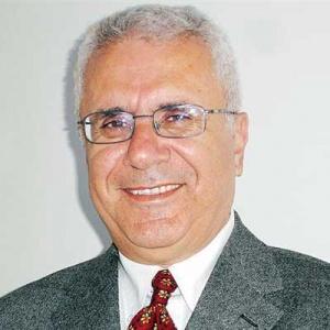 فریدون خاوند: شبح «ابر تورم» بر فراز اقتصاد ایران