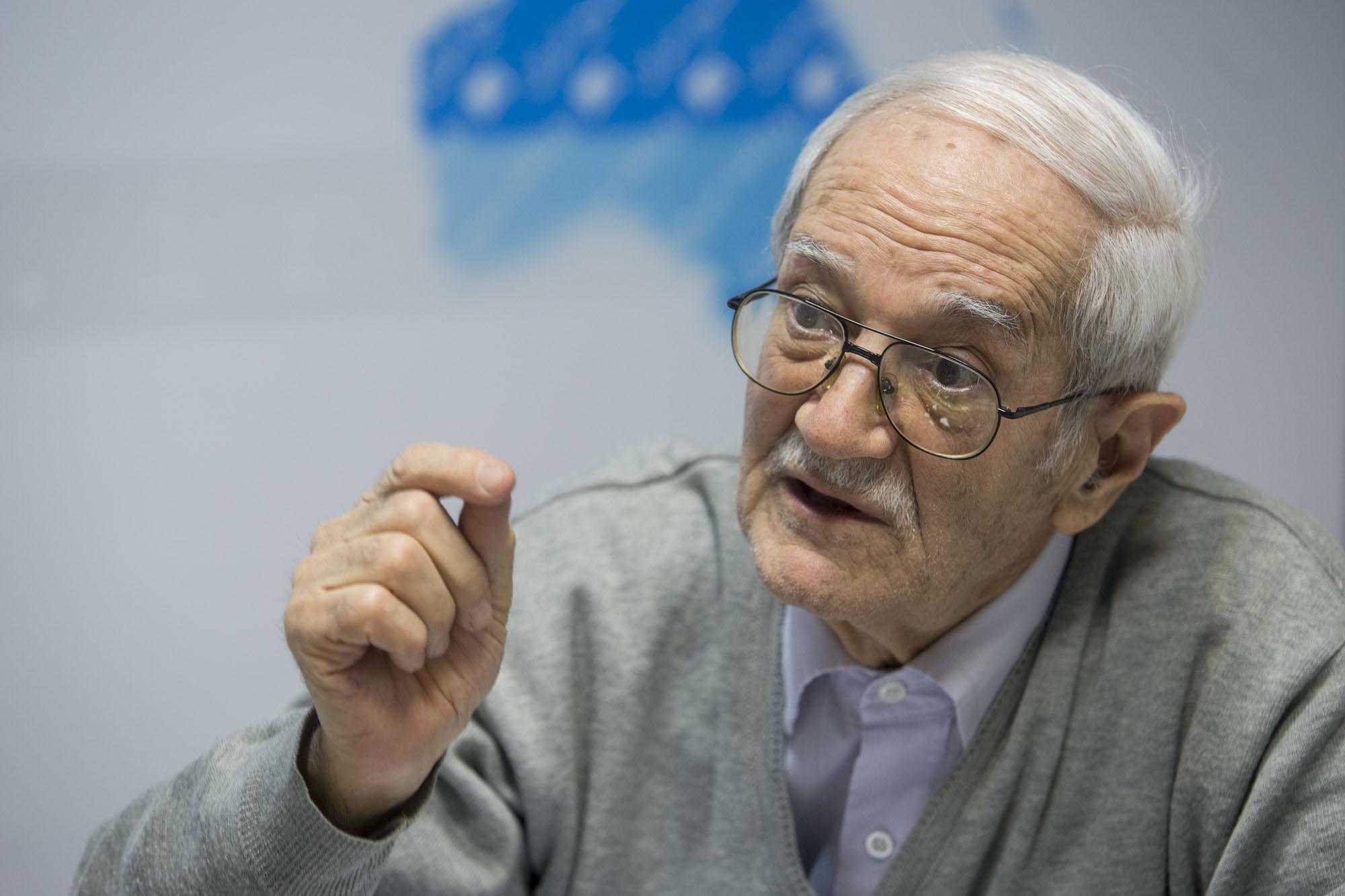ابراهیم رزاقی: جمهوری اسلامی نابود میشود اگر جلوی فساد سیستماتیک گرفته نشود
