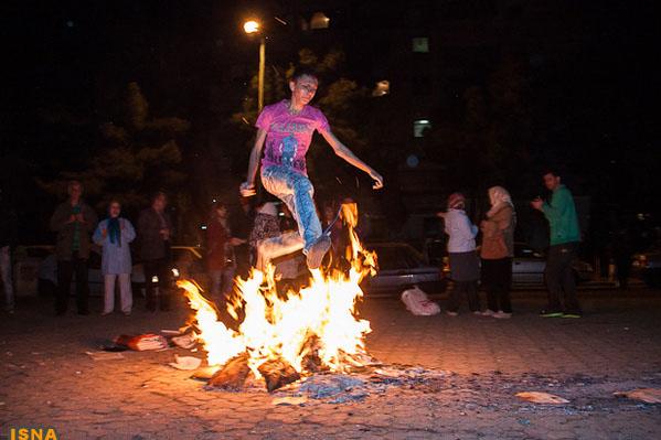 اقبال اقبالی: اسلامگرایان دلشان برای مصدومین چهارشنبه سوری میسوزد یا چالش اسلام در ایران؟