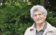 نسيم خاكسار: نقد و نظری کوتاه بر سه رمان