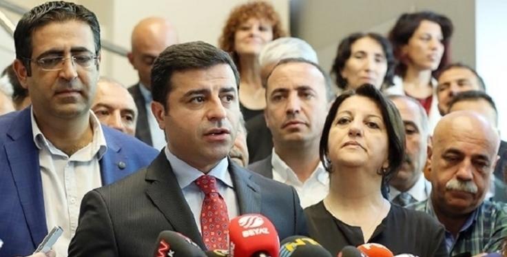 واکنش صلاحالدین دمیرتاش از رهبران حزب دمکراتیك خلقها به کودتا در ترکیه